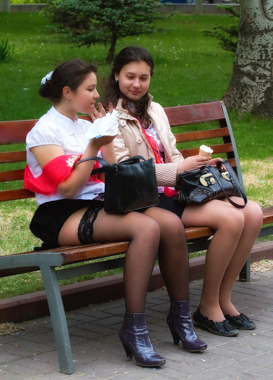 Ученицы белые чулки фото 3 фотография