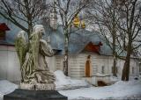 На территории Новодевичьего монастыря