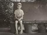 девочка с сумочкой