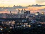 Московских окон негасимый свет.