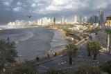 Город у моря.