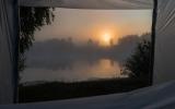 Туманное утро на реке.